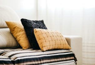 The Best Type of Fabric for Your Handmade Cushions
